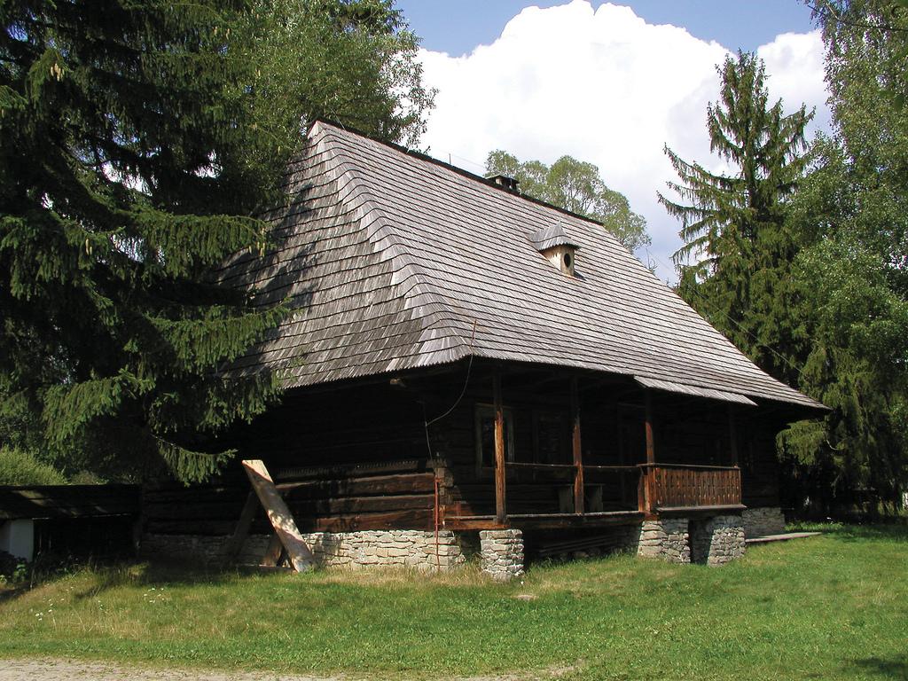 ORAWSKI PARK ETNOGRAFICZNY W ZUBRZYCY, fot. M. Klag (MIK, 1999) CC BY SA 3.0